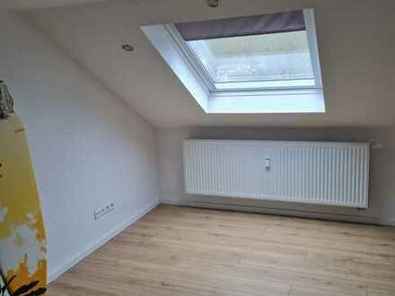Modernes Wohnen - neue schöne DG Wohnung mit Einbauküche