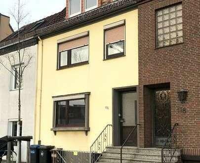 Tolles Mehrfamilienhaus mit 3 Wohnungen in Hastedt