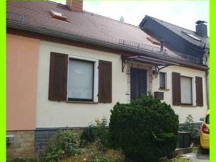 Gemütliches Einfamilienhaus (Reihenmittelhaus) in ruhiger Wohnlage mit kleinem Garten u. Gartenlaube