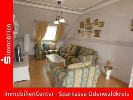 Attraktive 3-Zimmer Eigentumswohnung mit Doppelcarport in ruhigem 2-Familienhaus