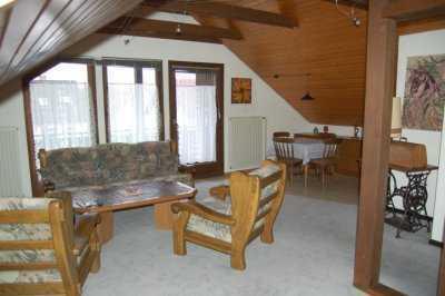 Zeitmietvertrag DG Single 2 Zimmer Wohnung inkl. Küche komplett möbliert im 3 Familienhaus