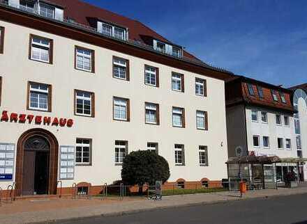 Ärztehaus Demmin; helle repräsentative Büro-/Praxisräume