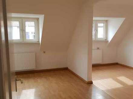 Preiswerte, gepflegte 2-Zimmer-Penthouse-Wohnung zur Miete in Pirmasens