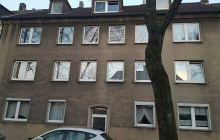 Gutaufgeteilte 4-Zimmer-Dachgeschosswohnung (3. OG) in Gelsenkirchen-Mitte ab sofort zu vermieten!