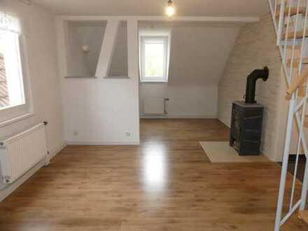 Stuttgart-Zuffenhausen zentral gelegene 3- Zimmer DG-Maisonette Wohnung
