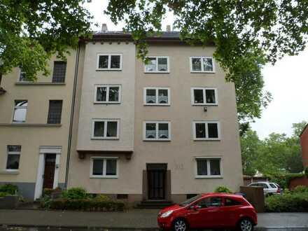 Ruhige 3-Zimmer-Dachgeschosswohnung (3. OG) am Bulmker Park zu vermieten!