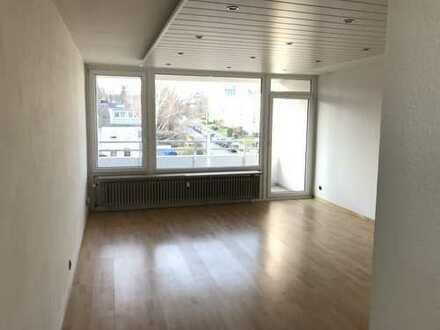 Gepflegte 1,5-Zimmer-Wohnung mit Balkon und EBK in Aachen-Burtscheid