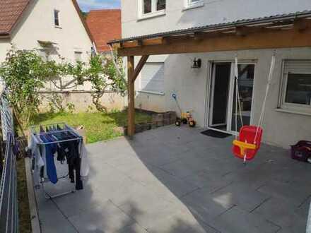 Stilvolle, gepflegte 3-Zimmer-Erdgeschosswohnung mit netter Terrasse 35qm in Heilbronn