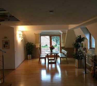 Exklusive, moderne Galerie-Wohnung mit 3 Balkonen in grüner Lage