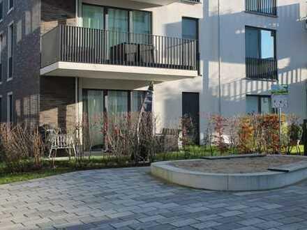 Exklusive, neuwertige 3-Zimmer-EG-Wohnung mit Terrasse und EBK in Norderstedt