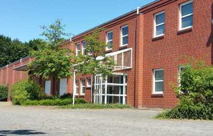 Vielseitig Nutzbare Gewerbeimmobilie mit Lagerflächen und Büros