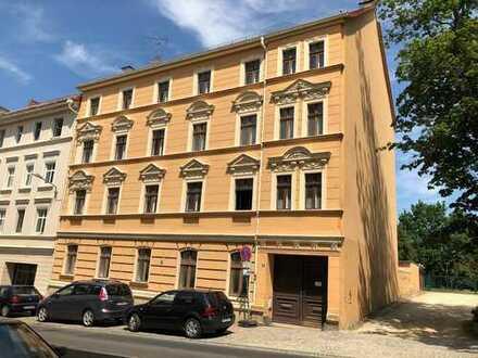 Geräumige 3-Raumwohnung in der Südstadt: super geschnitten, große Räume und Bad mit Wanne!