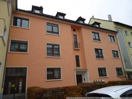 Gemütliche Altbauwohnung mit Balkon!