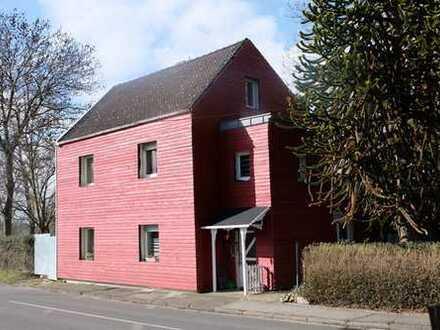Schönes Landhaus mit großzügigen Grundstück in Aldenhoven-Siersdorf mit unverbaubarem Weitblick !