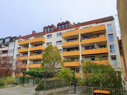 Schöne 2-Zimmer Dachgeschosswohnung in St. Johannis (mit Aufzug und Tiefgaragenstellplatz)