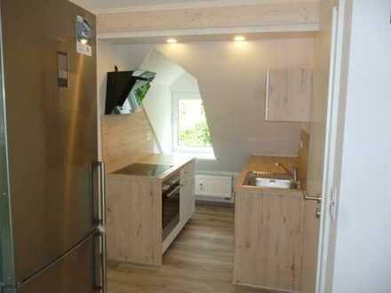 **Dachgeschoss-Wohnung - Erstbezug nach Kernsanierung für Studenten geeignet **