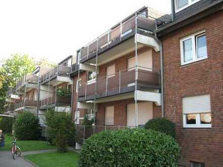 Exklusive 3,5-Zimmer-Hochparterre-Wohnung mit Balkon direkt an der Sechs-Seen-Platte