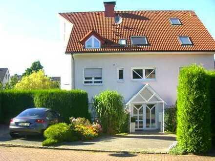 Schöner Wohnen: Helle Maisonette Wohnung ( 2 Etagen)