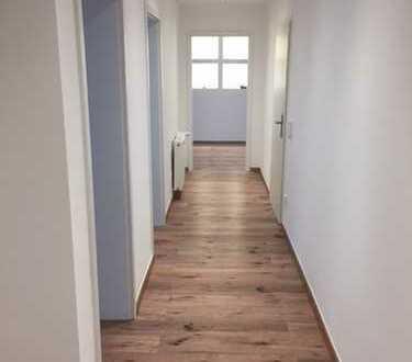 Schöne, geräumige 5 Zimmer Wohnung in Köln- Vingst (WG geeignete Wohnung)