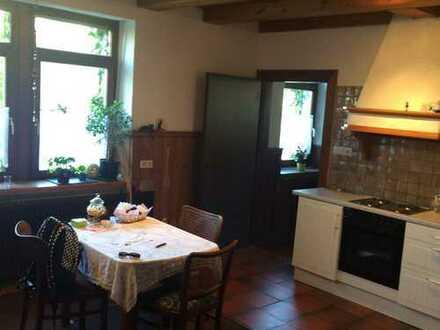2 - Zimmer Wohnung, naturnah, sichtbares Holzfachwerk in den Innenräumen