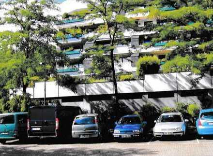 Großzügige 4-Raum Wohnung mit sonniger Terrasse, inkl. TG-Platz