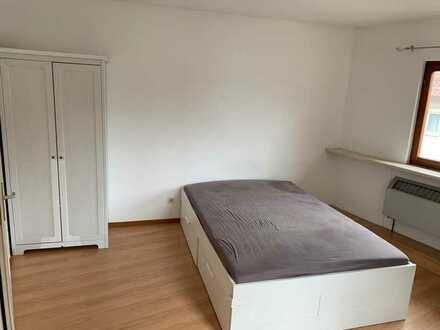 ++Schöne Zimmer in Daimler/Bosch WG+MÖBILIERT+ Renoviert ++TOP S-Bahn Anbindung zu Daimler 10 Min++
