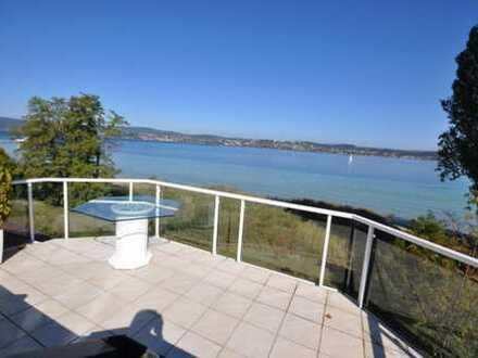 Direkte Seeuferlage - Einmalige 3½ Zimmer DG Wohnung mit 180° Seeblick - kfr. frei
