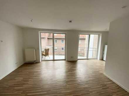 Neuwertige 2,5-Zimmer-Wohnung mit Balkon im Zentrum von Leer