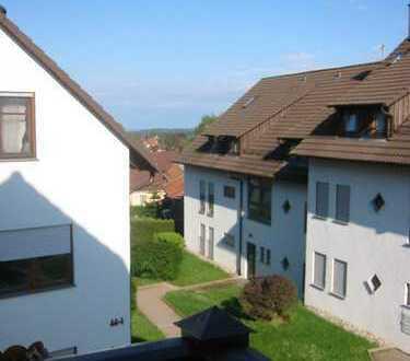 Helle 3-Zimmer-Maisonette-Wohnung mit Balkon in Unterlengenhardt
