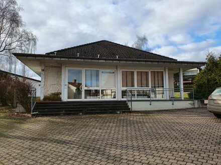 Büro und Praxishaus in Hackeheim