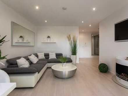Weißes Ambiente - exklusive helle möbl. 2 Zi. Wohnung mit Kamin, Balkon & Loggia, Nähe Luitpoldpark