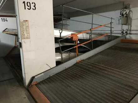 Tiefgaragenstellplatz zu vermieten