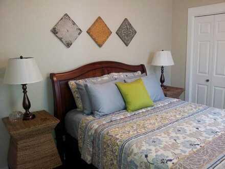 Schön eingerichtet und Wohnung dekoriert