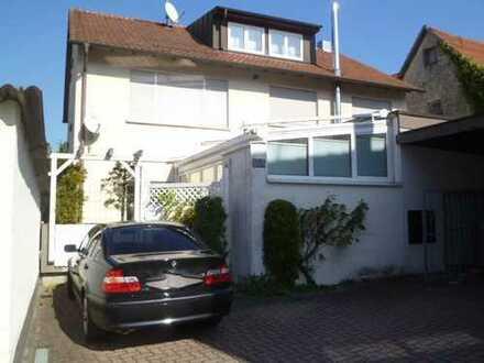 Von privat: Traumhafte 6-Zimmer-Maisonette-Wohnung ** Kamin ** Terrasse ** in Magstadt