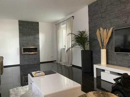Stilvolle, modernisierte 3-Zimmer-Wohnung mit Balkon und EBK in Braunschweig