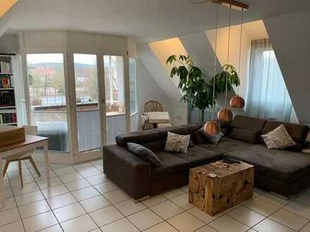 Gepflegte 3-Zimmer-Dachgeschosswohnung mit Balkon und EBK in Obernburg am Main