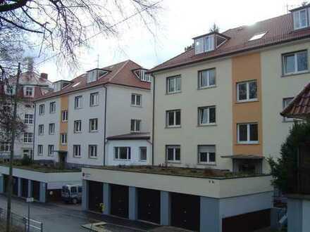 2 Zimmer im Stuttgarter Westen - am Hölderlinplatz !