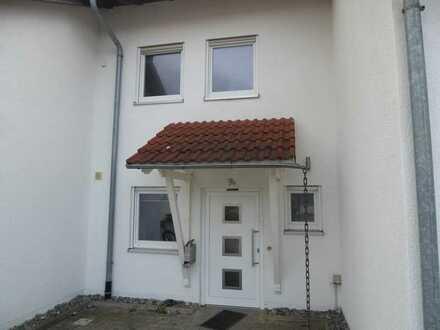 Attraktives Reihenmittelhaus mit fünf Zimmern und neuer EBK in Gammertingen