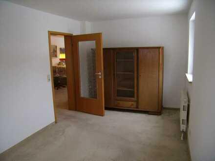 Zimmer mit großzügiger Wohnungsnutzung