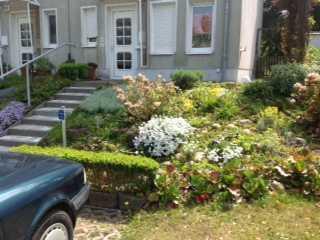 Schönes Reihen Endhaus mit großem Garten