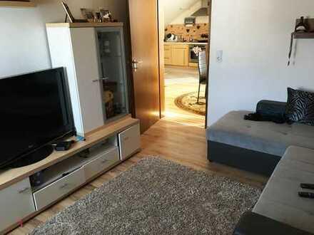 Günstige, modernisierte 3-Zimmer-DG-Wohnung mit EBK und Klima in Werbach
