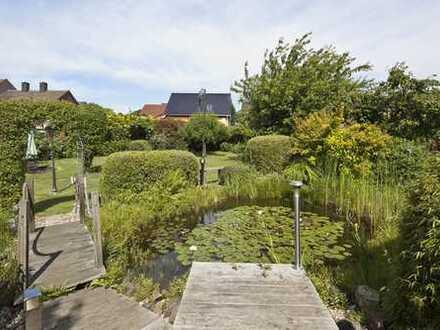 Eine Oase der Ruhe - Ein-/Zweifamilienhaus auf wunderschönem Grundstück in beliebter Lage