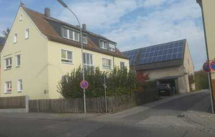 Gepflegte 2-Zimmer-Erdgeschosswohnung mit EBK in Neuendettelsau