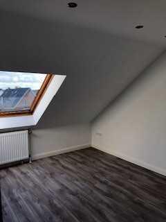 350 €, 42 m², 2 Zimmer