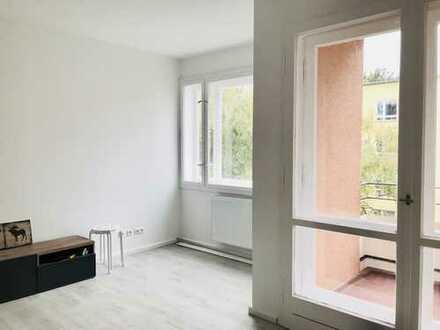 Bezugsfrei! Frisch renovierte Wohnung mit Balkon