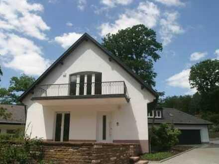 Appartment mit großer Südost-Terrasse, separater Küche, eigenem Eingang und Stellplatz oder Garage