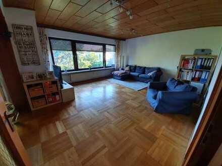 Gepflegte 5-Zimmer-Wohnung mit Balkon und EBK in Mannheim