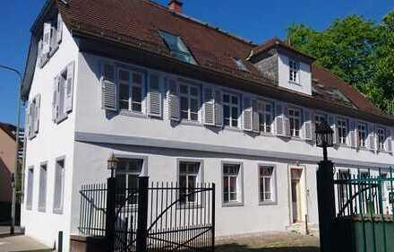 Repräsentative, geräumige 5-Zimmer-Wohnung in Frankfurt am Main in denkmalgeschütztem Gebäude