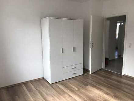 WG !!!! Erstbezug nach Sanierung mit EBK und Balkon: exklusive 1-Zimmer-Wohnung in Leonberg