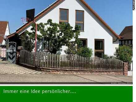 Einziehen und wohlfühlen - großes Einfamilienhaus mit viel Platz in Cleebronn ...